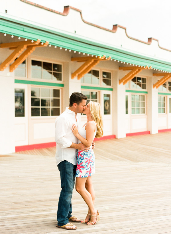 rye playland engagement photos